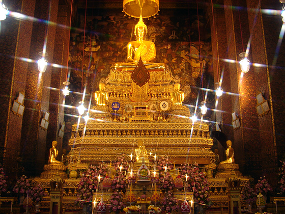 Thailand Travel: The idol of the Kingdom of Thailand: The Jade Buddha in the Wat Phra  Keow Temple in Bangkok.