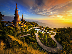 Thailand holiday: Chiang Mai, Chiang Rai, Golden Triangle, Sukhotai.travel, holiday, vacation. Private and join-in tours and guiding. Hotel booking ant travel assistance